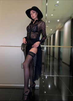 Karoline - escort in Milan Photo 4 of 6