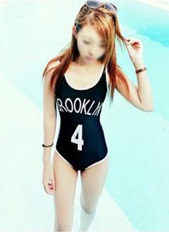 20 year old petite Kea - escort in Bangkok Photo 11 of 17