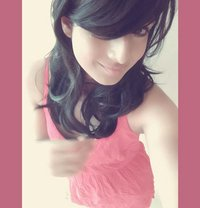 Kelly Lugo 9 inch ( 3some with shemale ) - Transsexual escort in Colombo