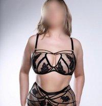 Kelly Showgirlz Escorts - escort in Manchester