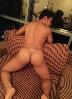 Ken BubbleButt AUTHENTIC Massage - Male escort in Hong Kong Photo 1 of 10