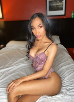 Kendall - Transsexual escort in Manila Photo 21 of 26