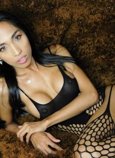 Kendall - Transsexual escort in Manila Photo 7 of 26