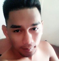 Khen - Male escort in Makati City