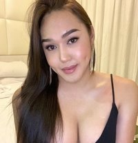 Just arrive Kimberly with CUM - Transsexual escort in Dubai