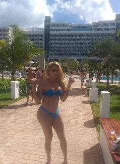 Kimberly - Transsexual escort in Moscow Photo 4 of 5