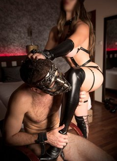 KINK SESSIONS (incall & outcall) - dominatrix in Lisbon Photo 4 of 25