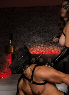 KINK SESSIONS (incall & outcall) - dominatrix in Lisbon Photo 8 of 25