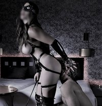 KINK SESSIONS (incall & outcall) - dominatrix in Madrid Photo 1 of 25