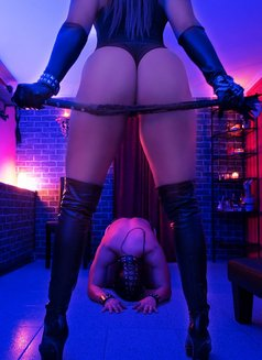 KINK SESSIONS (incall & outcall) - dominatrix in Lisbon Photo 24 of 25