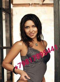 Kira - escort in Dubai Photo 4 of 5