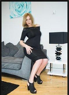 Klara - escort in London Photo 1 of 6