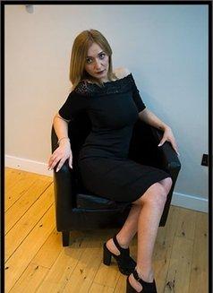 Klara - escort in London Photo 3 of 6