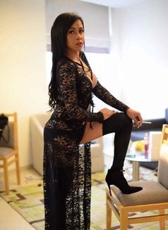 Ky Jell - Transsexual escort in Singapore Photo 9 of 10