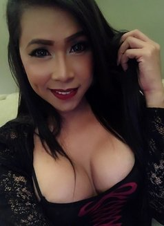 Ky Jell - Transsexual escort in Singapore Photo 14 of 20