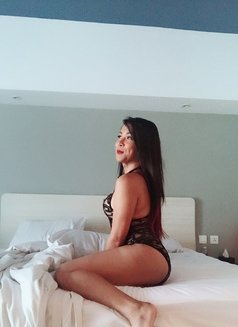Ky Jell - Transsexual escort in Singapore Photo 23 of 25
