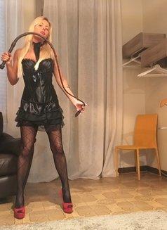 Lady Desiree Mistress - dominatrix in Dubai Photo 13 of 19