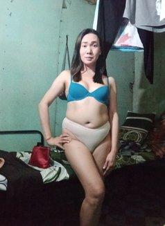 Ladyboy Pham - Transsexual companion in Manila Photo 2 of 7