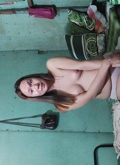 Ladyboy Pham - Transsexual companion in Manila Photo 3 of 7
