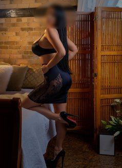 Lara Lee - escort in Toronto Photo 5 of 6