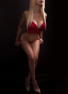 Larissa Larianov - escort in Toronto Photo 2 of 10