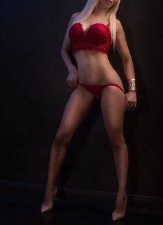 Larissa Larianov - escort in Toronto Photo 3 of 10