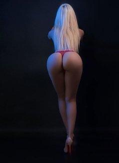 Larissa Larianov - escort in Toronto Photo 4 of 10