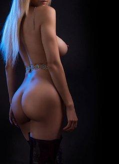 Larissa Larianov - escort in Toronto Photo 10 of 10