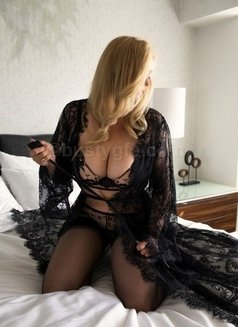 Larissa Larson - escort in Los Angeles, California Photo 3 of 3
