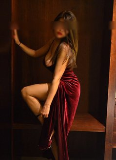 Escorts in Buenos Aires ♡ Lola hipster - masseuse in Berlin Photo 10 of 30