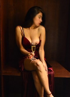 Escorts in Buenos Aires ♡ Lola hipster - masseuse in Berlin Photo 11 of 30