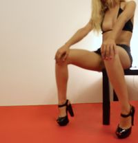 Laura 20 Years Old - escort in Lisbon