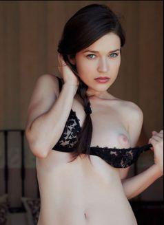 Laura (European beautiful model) - escort in Bangkok Photo 6 of 6