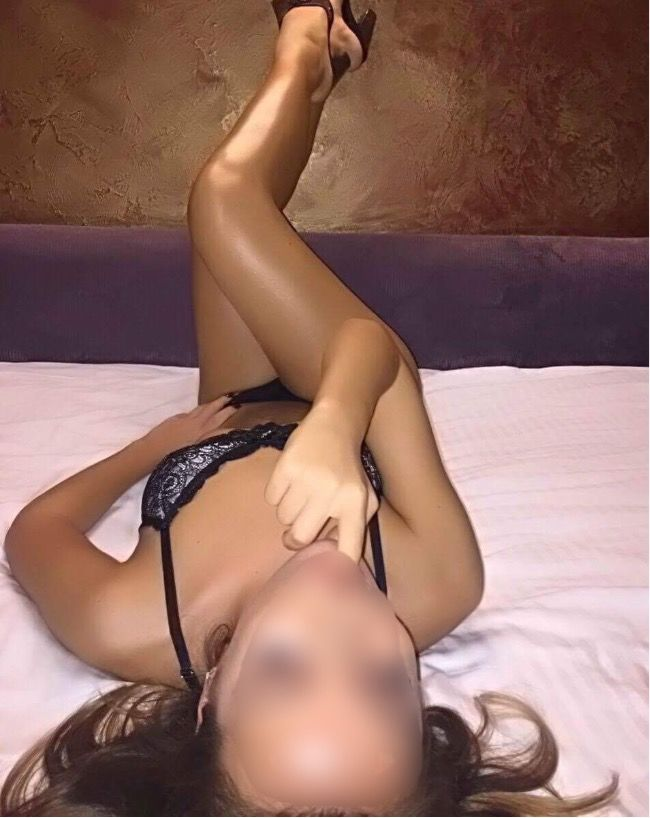 finger female escorts in germany