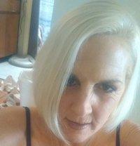 Lauren - escort in Sydney