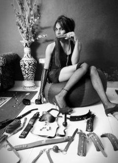 Leela - Transsexual escort in New Delhi Photo 1 of 30