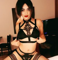 Leila Top and Bottom - Transsexual escort in Dubai