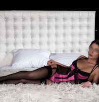Lena - masseuse in Moscow