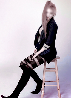 Lenore eve-amour • Independent - escort in Seoul Photo 2 of 4