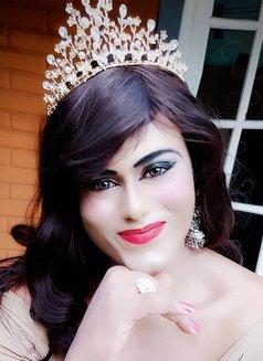 Mistress Leona - Genuine Gentlemens Only - Transsexual escort in Colombo Photo 21 of 29