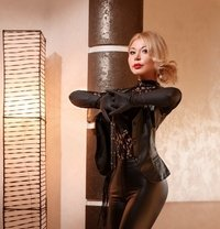 Lera - escort in Paris