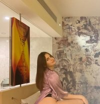 Li Li Young - escort in Dubai Photo 1 of 7