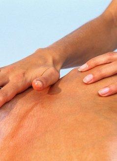 Li New China Massage - masseuse in Al Manama Photo 7 of 10