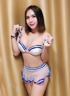 Lili Thai - Transsexual escort in Dubai Photo 1 of 10