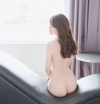 Lili - escort in Dubai
