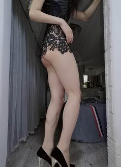 Lily - Transsexual escort in Shanghai Photo 10 of 14