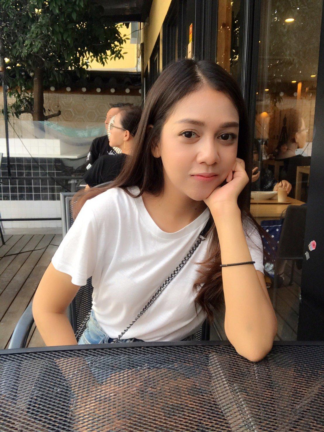 Lily thai escort