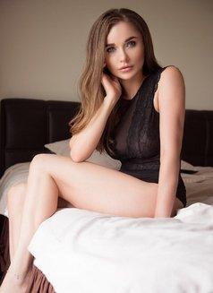 Erotic Massage - escort agency in İstanbul Photo 6 of 11
