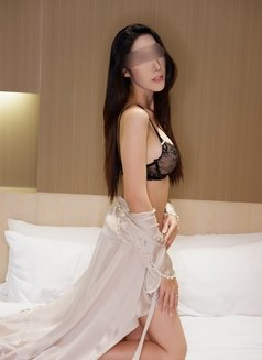 Emily independent - escort in Bangkok Photo 1 of 10