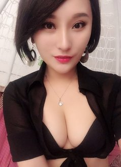 Lisa /Hidden Dragon - escort in Beijing Photo 2 of 5
